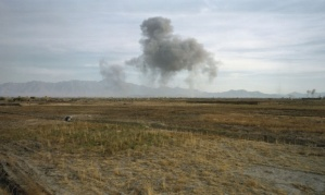 Luc Delahaye, US Bombing on Taliban Positions.